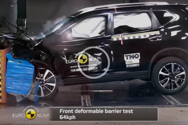 Краш-тест Nissan X-Trail